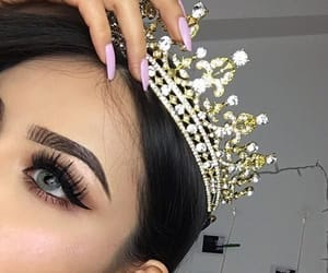 makeup, crown, and nails image