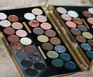 eyeshadow, favours, and fortune image