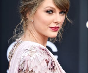 Taylor Swift, bbmas, and billboard music awards image