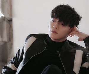 Chen, exo, and chenchen image
