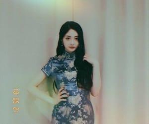 ioi, zhou jieqiong, and zhou kyulkyung image