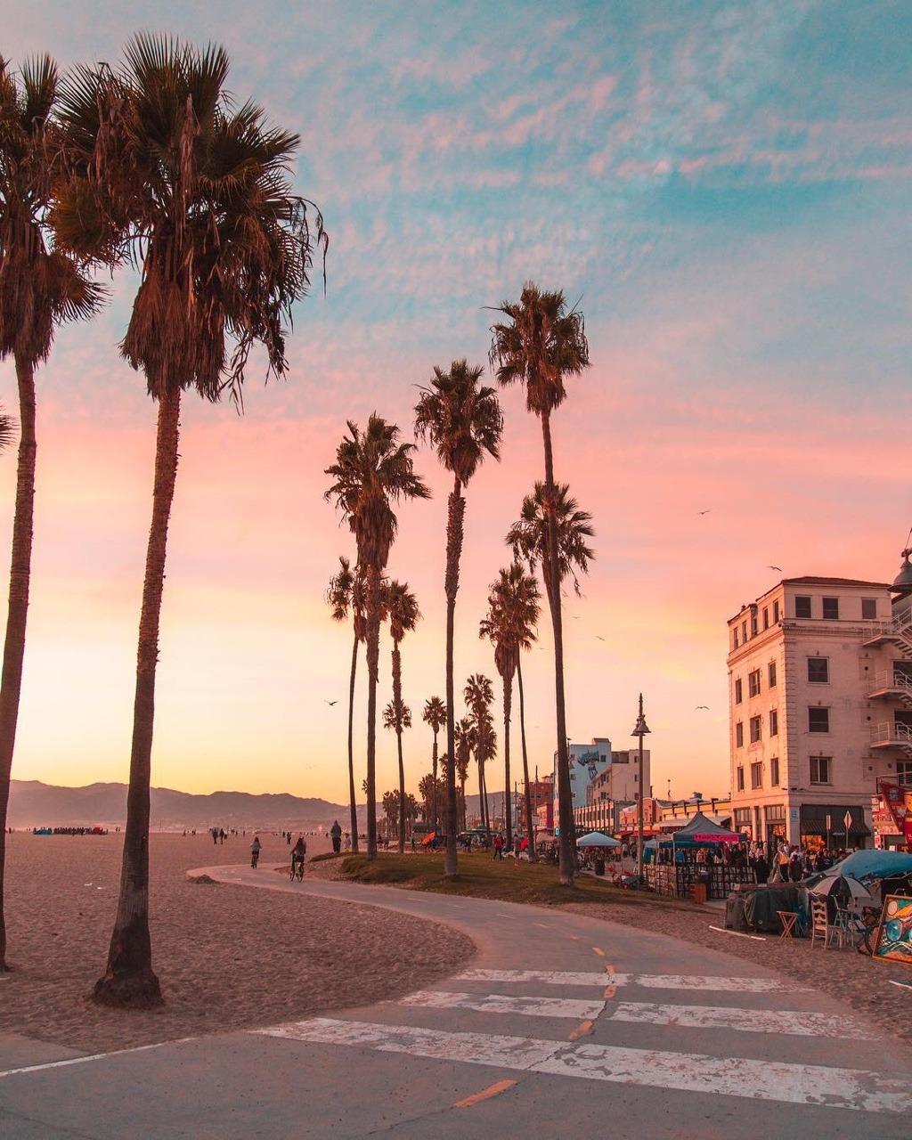 Los Angeles California By Debodoes On We Heart It