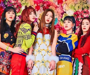 article and red velvet image