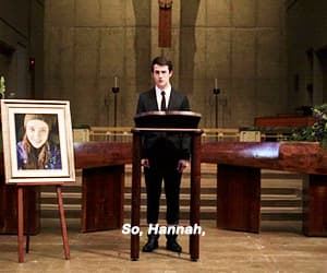 gif, 13 reasons why, and hannah baker image