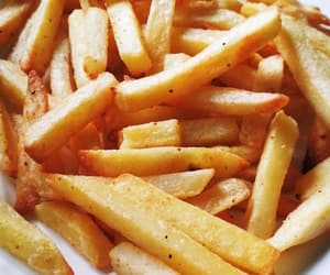 chips, yummy, and patatas fritas image