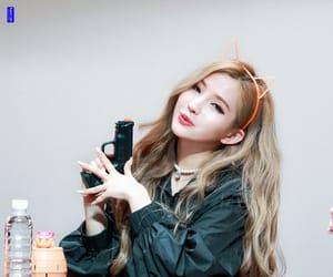 idle, soyeon, and jeon soyeon image