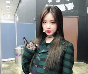 soojin, (g)i-dle, and girl image