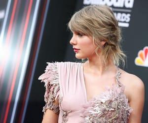 Taylor Swift, bbma, and bbmas image