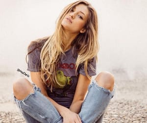blonde, grunge, and ripped jeans image