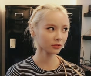 kpop, jinsoul, and loona image
