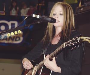 Avril Lavigne, cantante, and compositora image