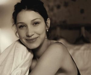 bella and bella hadid image