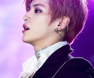 choker, dream concert, and taehyung image