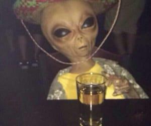alien and et image