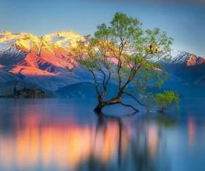 montanhas, por do sol, and azul image