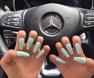 nails and mint image