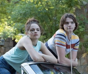 netflix, the kissing booth, and joey king image