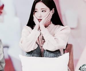 yeonwoo, momoland, and filteredpic image