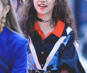 (g)i-dle and yuqi image