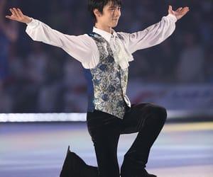 figure skating, yuzuru hanyu, and ice show image