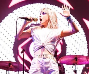 hayley williams, paramore, and Queen image