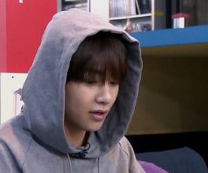 bts, bts selca, and bts kim taehyung image