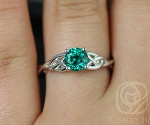 celtic, emerald, and jewellery image