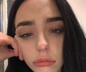 girl, crying, and icon image