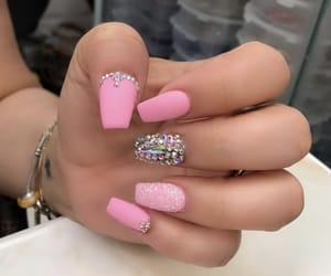 pinknails and strass nails image