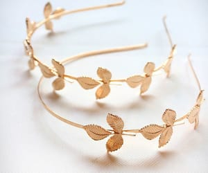 hair accessory image