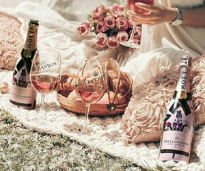 champagne, couple, and dreamy image