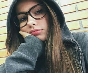 girl, gris, and lentes image