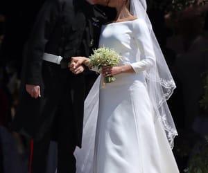 kiss, royal wedding, and meghan image