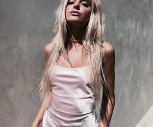 fashion, pink, and alissa violet image