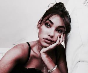fade and madison beer image