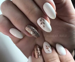 nails, nails design, and nails gold image