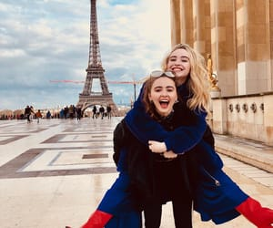 sabrina carpenter, singer, and sisters image