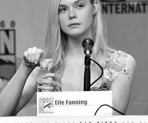 actress, comic con, and Elle Fanning image
