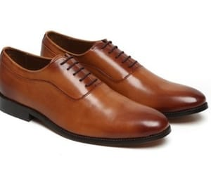 oxford shoes and oxford dress shoes image
