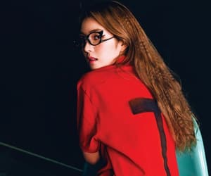 kpop, red, and 배주현 image