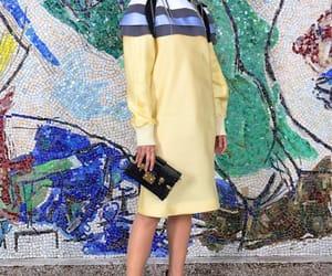 belleza, desfile, and Louis Vuitton image
