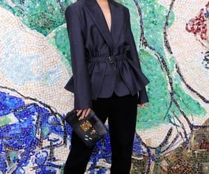 belleza, elegancia, and front row image
