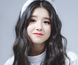 heejin, jeon heejin, and loona image