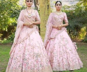 indian bridal lehengas, indian brides 2018, and pink bridal lehngas image