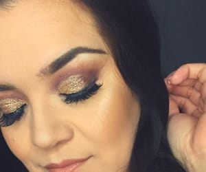 glitter, eyemakeup, and undiscovered image
