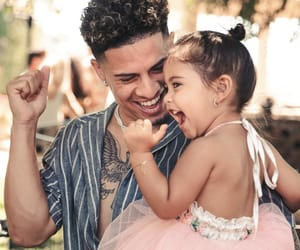 Austin, Elle, and austin mcbroom image