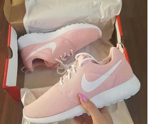 nike, rosa, and shoes image