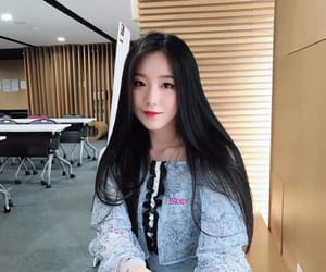 kpop and (g)i-dle image