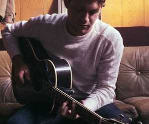 niall horan, guitar, and niall image