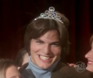that 70s show, michael kelso, and ashton kutcher image